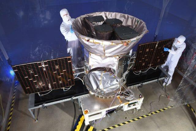 A TESS-űrtávcső az indítás előtt (Forrás: NASA)