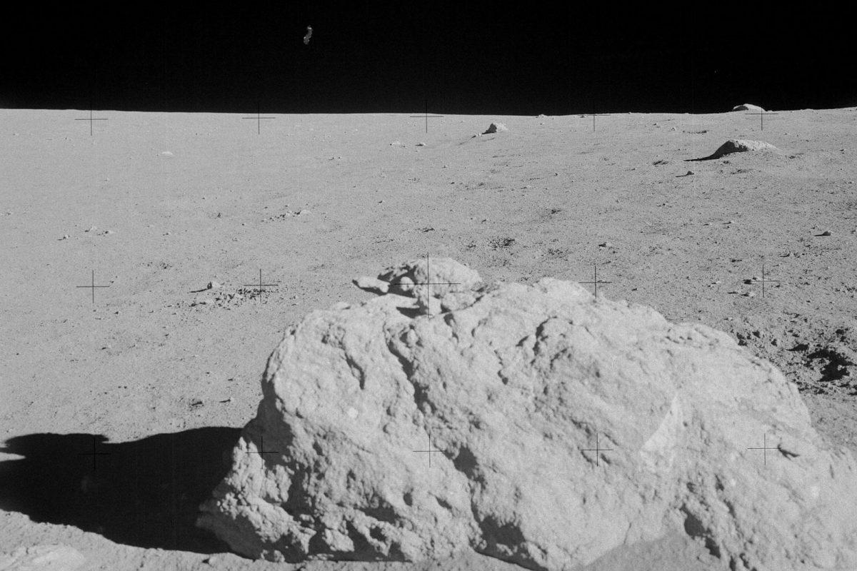 A Hold anyagainak kutatása – Égi kísérőnk geológusszemmel