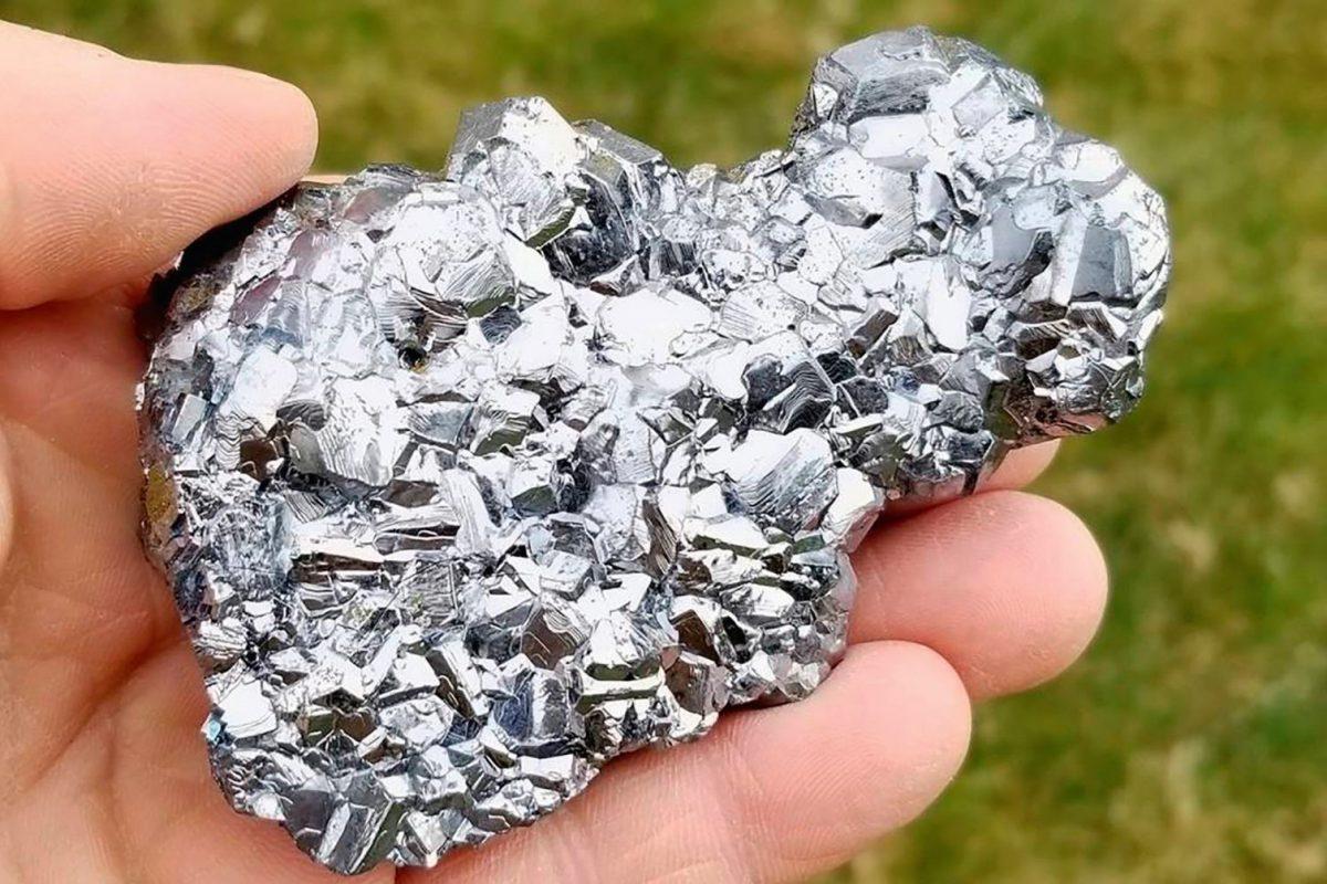 A 2019-es év ásványa: a galenit – Vízvezetékektől az akkumulátorokig